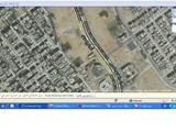 لدينا قطعة 276متر 6اكتوبر شمالية ناصية تطل على حديقة على شارع خدمات - صورة مصغرة