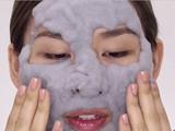 قناع الطين بفقاعات الكربون لبشرة الوجه - صورة مصغرة